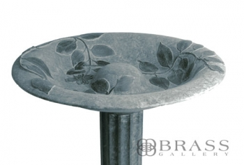 Williamsburg - Verdigris Dogwood Bird Bath